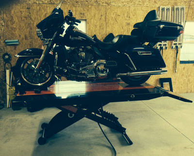 2014 Harley Ultra on PRO 1200SE Motorcycle Lift