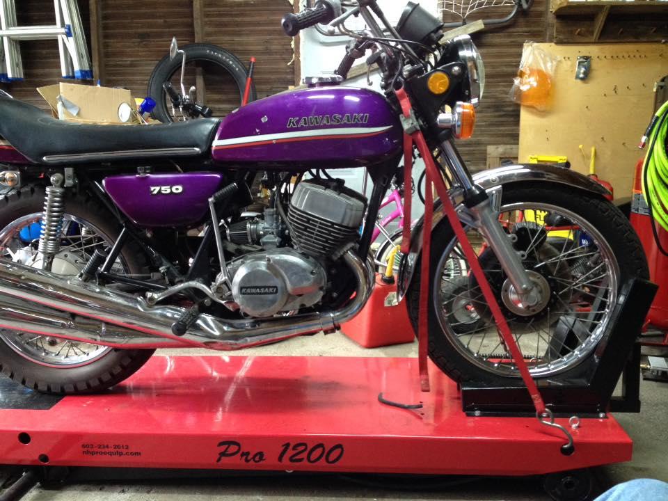 Kawasaki on PRO 1200 Motorcycle Lift