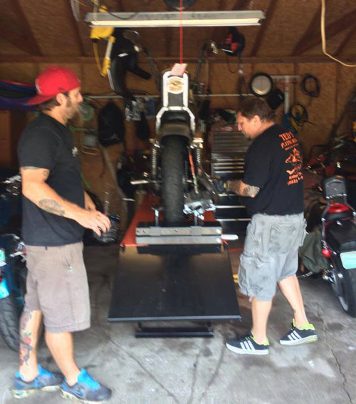 Harley Ironhead gets a lift on Chris Overton's PRO 1200 Motorcycle Lift Table