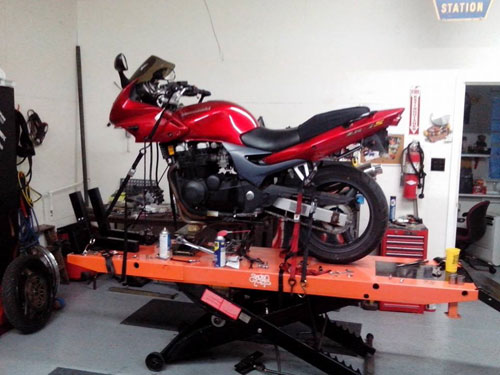 Smokin Cycles motorcycle repair on pro 1200 motorcycle lift